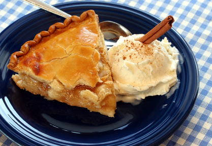 Apple-Pie-and-Ice-Cream-with-Cinnamon-Stick